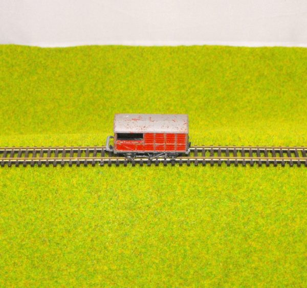 Our code 6057521LS Lone Star Guards Van, red, poor condition, couplings missing/broken Size: N Secondhand-0