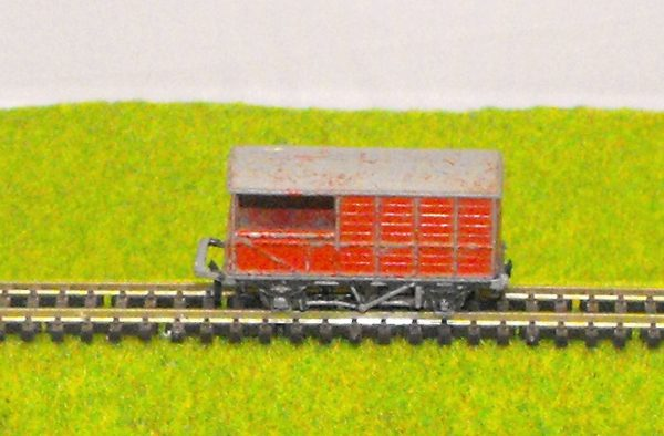 Our code 6057521LS Lone Star Guards Van, red, poor condition, couplings missing/broken Size: N Secondhand-932