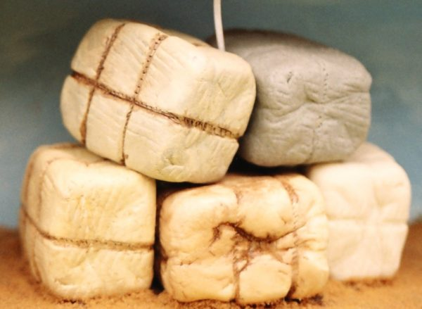 21-101 Shirecraft AC1 Wool Bales: Quantity 2 Unpainted. (Picture shows how the product can look when painted)-0