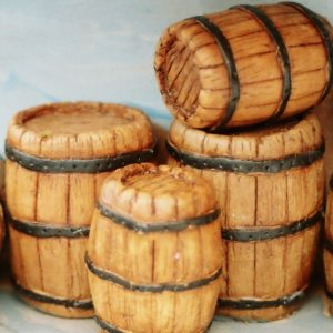 21-104 Shirecraft AC4 Casks/ Barrels, large: Quantity 4.(Unpainted). NB! The product picture shows this item painted and presented in a diorama.-0
