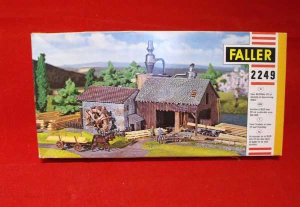 F2249 Sawmill - can be powered by motor ref 629 (not inc). Building Kit Faller Size: N -0