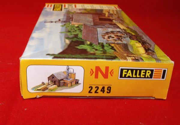 F2249 Sawmill - can be powered by motor ref 629 (not inc). Building Kit Faller Size: N -1914