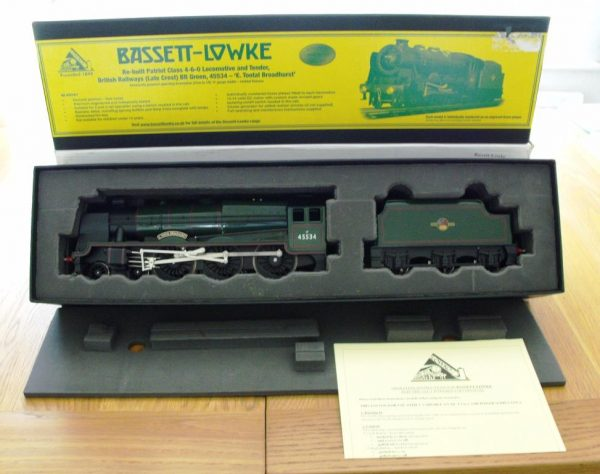 BL99041 Bassett-Lowke Rebuilt Patriot BR Green No 45534 'E Tootal Broadhurst' Size: O Gauge -0