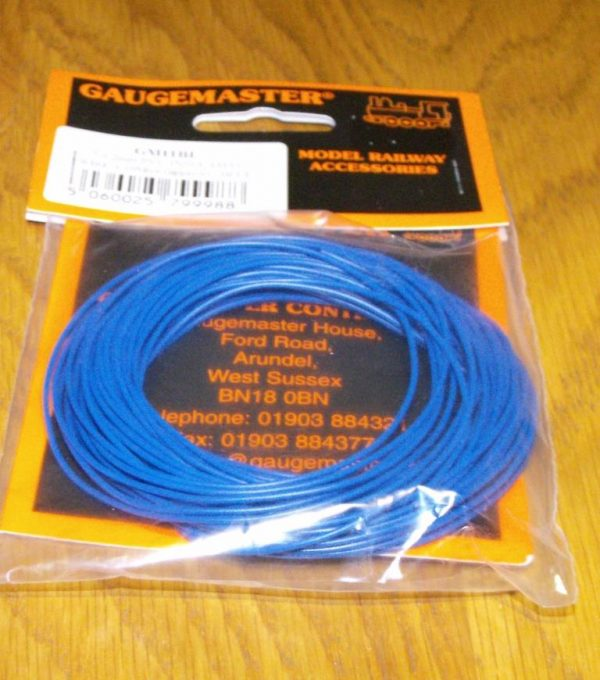 GM11BL 10m pack of blue WIRE-0