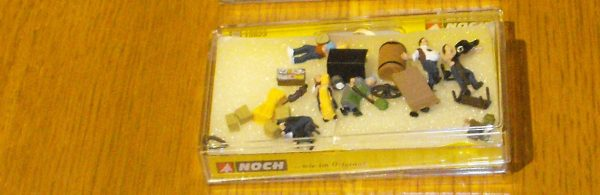 N15623 Farmers & Accessories. Noch 'H0' Figures & Animals Size: HO/OO -0