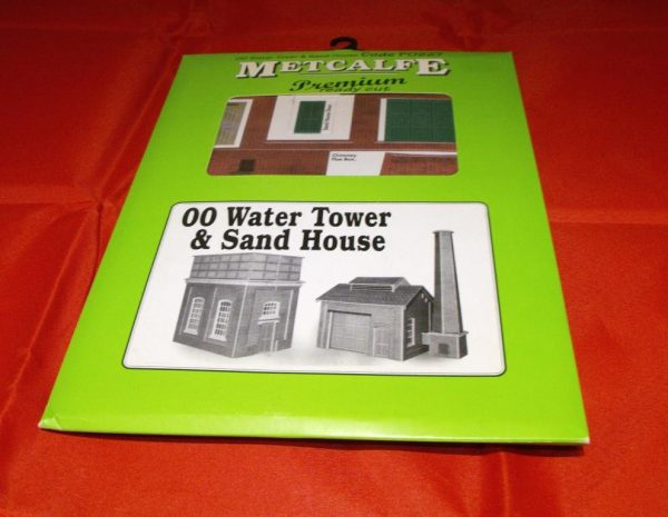 P0227 Water Tower & Sand House - Metcalfe Premium Ready-Cut Card Kit. Size: OO -0