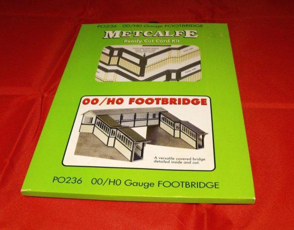 P0236 Footbridge - Metcalfe Premium Ready-Cut Card Kit. Size: OO -0