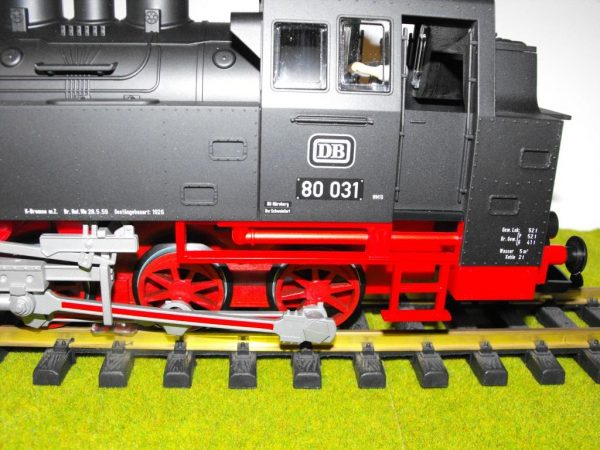PK37200 Piko BR80 0-6-0T loco only, split from 37110 set. Size: G -1333