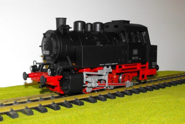PK37200 Piko BR80 0-6-0T loco only, split from 37110 set. Size: G -1335