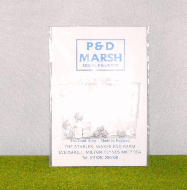 PW107 Luggage (12 pieces). P & D Marsh White Metal Kit, Kit level 1 Size: OO -0