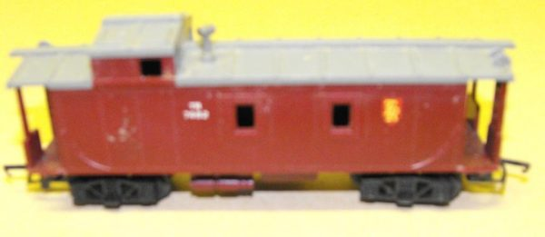 R115 Hornby or Triang Caboose red. Unboxed in poor/average condition.Size: OO | This is a second-hand item.-904