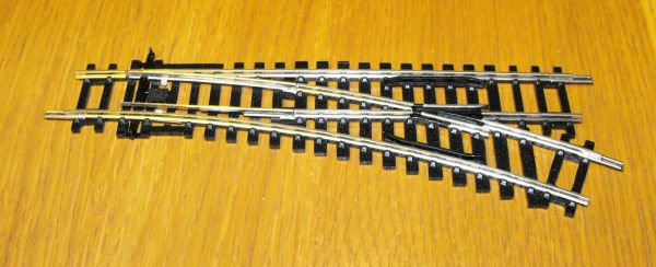 R8073 Hornby track, Right Hand standard Point. 168mm length arc 22.5 degrees. Size: OO -0