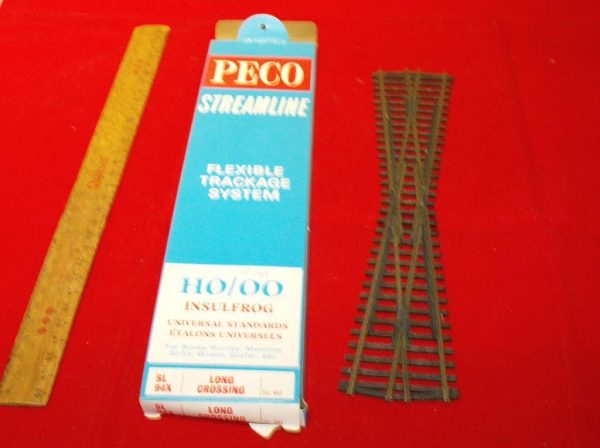 SL94X Peco Streamline Crossing Long. Size: OO | This is a second-hand item.-1906