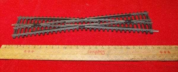 SL94X Peco Streamline Crossing Long. Size: OO | This is a second-hand item.-0