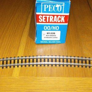 ST-235 x 2 Peco Settrack No 4 Radius Standard Curve. Size: OO -0