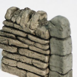 """SW8 Shirecraft End Wall Set, consisting of set of 2 x 1.75 inches long sections, plus 2 x Stone Gate Pillars of 1/2"""" square each. G scale etc.-0"""