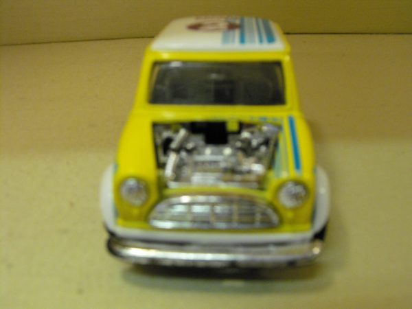 SS5703 Yellow Mini race stripes and decals, diecast Car, 1:24 scale. Opening doors, bonnet removed-803