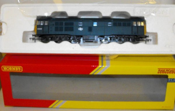 R3067 Hornby Class 31 BR Blue No.31256 NEW Boxed. Size: OO -1190