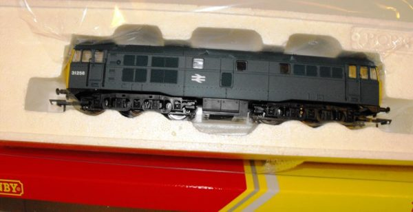 R3067 Hornby Class 31 BR Blue No.31256 NEW Boxed. Size: OO -0