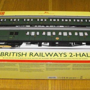 R3290 Hornby BR 2-HAL 2 car multiple unit '2639' train pack. 1 x Driving Motor Brake S10757S, 1 x Composite EMU 'S12224S SR green, Size: OO gauge-0