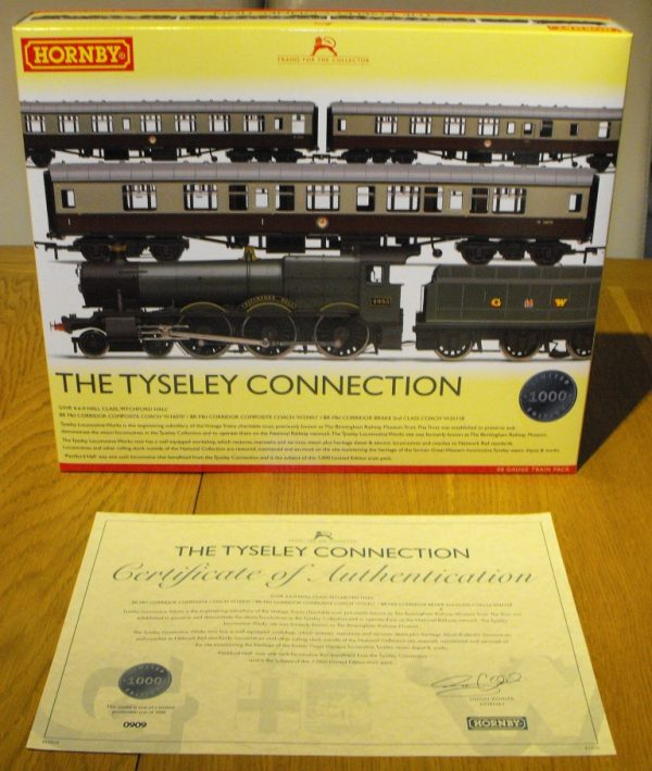 R3220 Hornby Tyseley Connection 'Pitchford Hall' Train Pack, Hall Class Loco and 3 coaches train pack NEW Boxed OO Gauge-1494