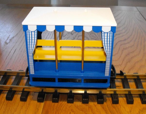 L93042 LGB 'Open air' Coach, 3-wheeler, blue livery, side-facing bench seats. Size: G gauge NEW Boxed-1518