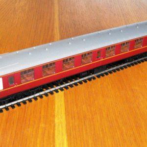 Hornby BR Mk1 3rd class Coach R4351 -0