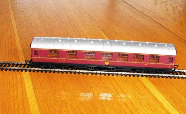 Hornby LMS composite Coach R4388 -1575