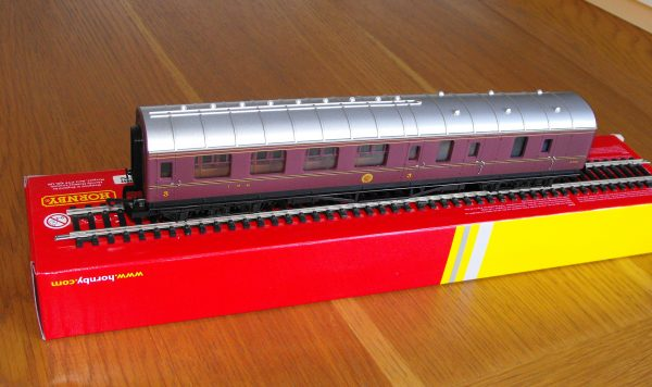Hornby R4389 LMS Brake Coach NEW OO boxed-1571