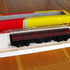 Hornby BR Maroon Mk1 Parcels Coach R4625 -0