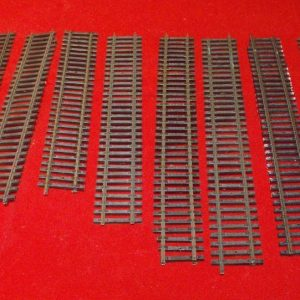 8 bits Hornby track, Straight Track Asstd mm. Size: OO -0